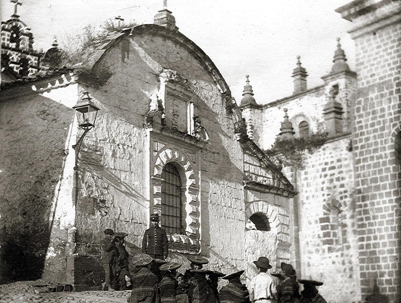 Foto antigua de la Fachada de la Santa Inquisición en el Cusco