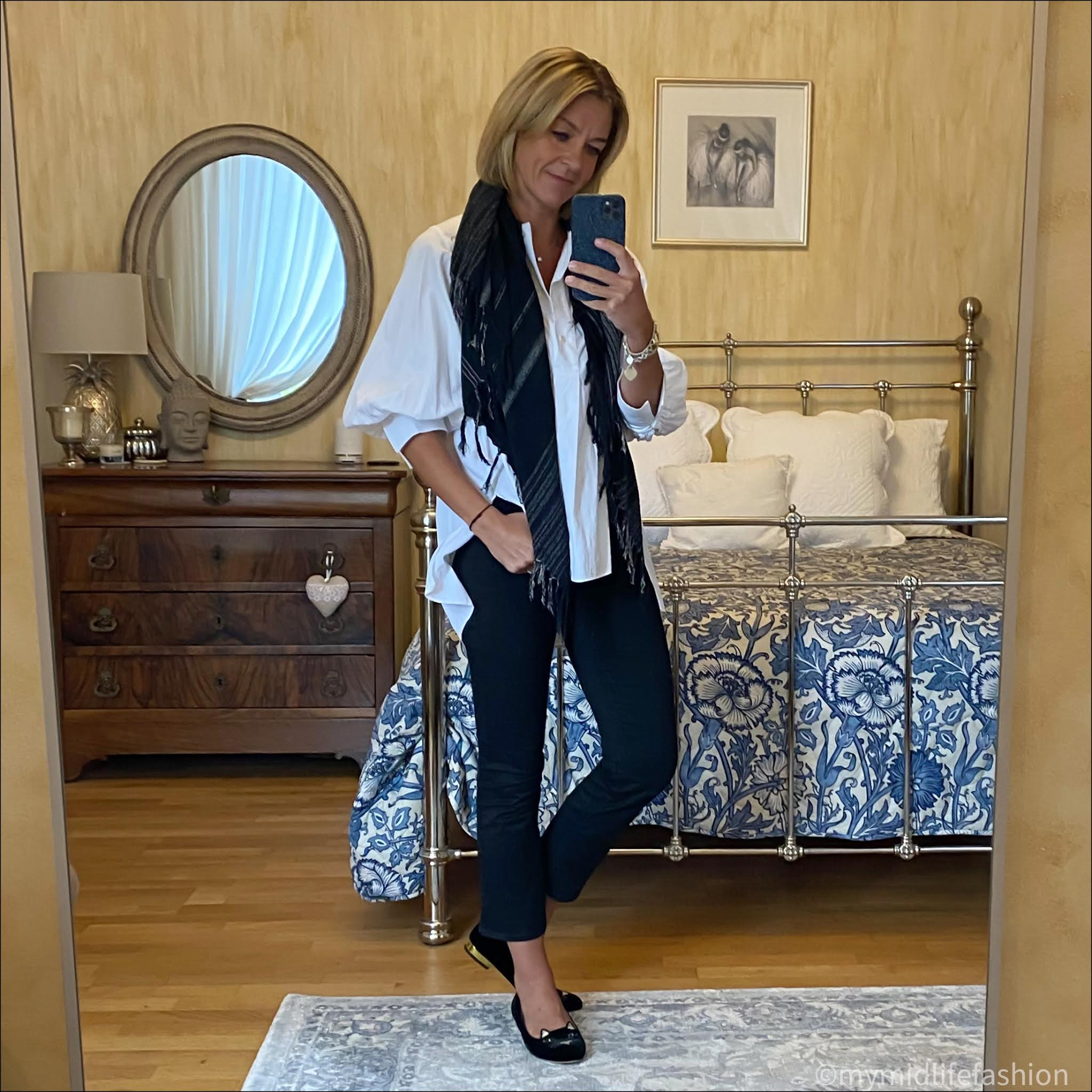my midlife fashion, Charlotte Olympia kitty cat face embroidered velvet flats, Isabel Marant Etoile stripe scarf, Massimo Dutti white blouse, j crew kick flare jeans