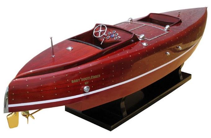 Baby Bootlegger -  Classic speedboats