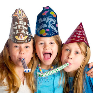 20+ WAYS TO CELEBRATE THE NEW YEAR WITH KIDS- great ideas!  PIN!  #newyearseveactivitiesforkids