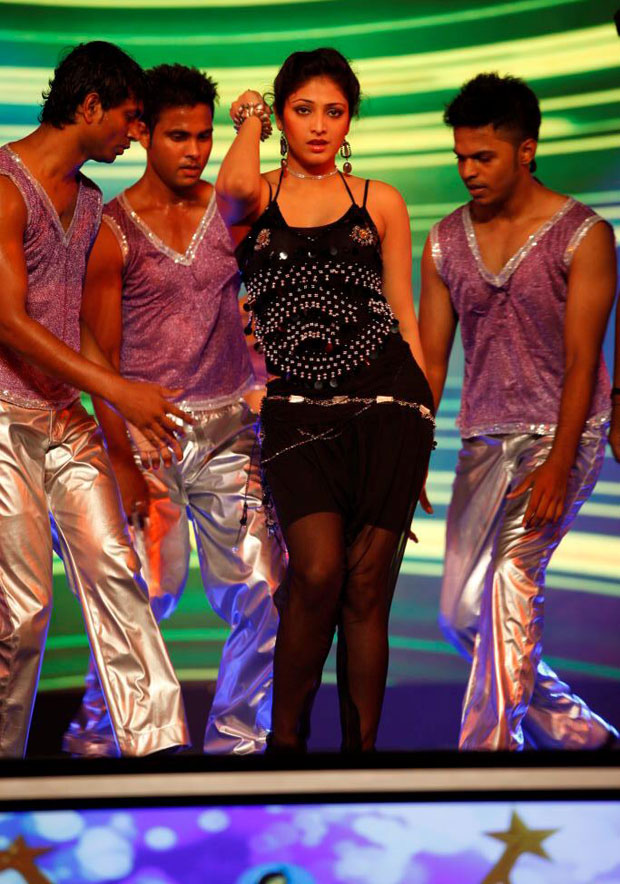 Heroines Dance Photos At Cinemaa Awards 2012