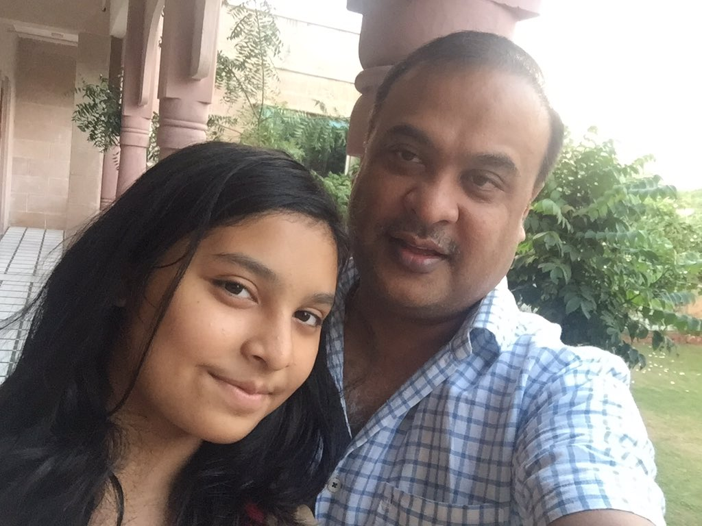 himanta biswa sarma with his daughter