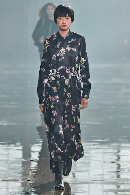 Gabriela Hearst Fall Winter 2021: The Earthy and the Worldly in Energetic Balance