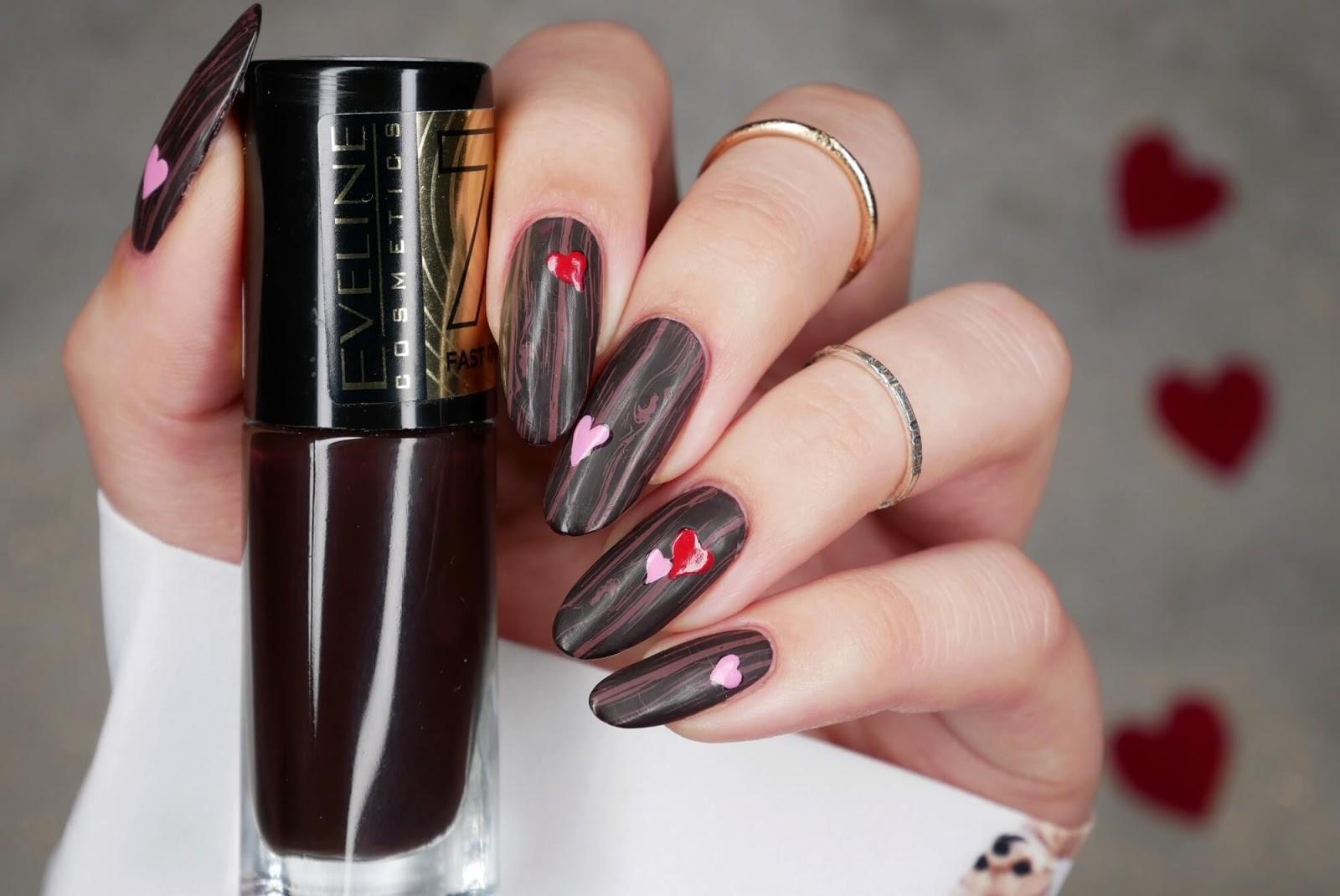 brązowe matowe paznokcie