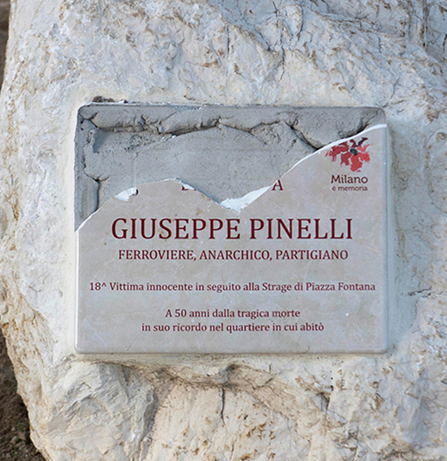 Lapide Pinelli piazzale Segesta