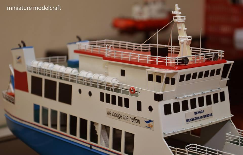 harga miniatur kapal ferry roro kmp muria murah