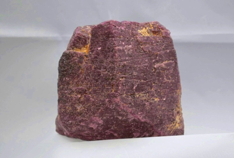 the largest rough ruby crystal in the world
