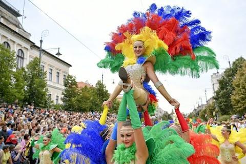 Elindult a jegyértékesítés a debreceni karneváli felvonulás lelátóira