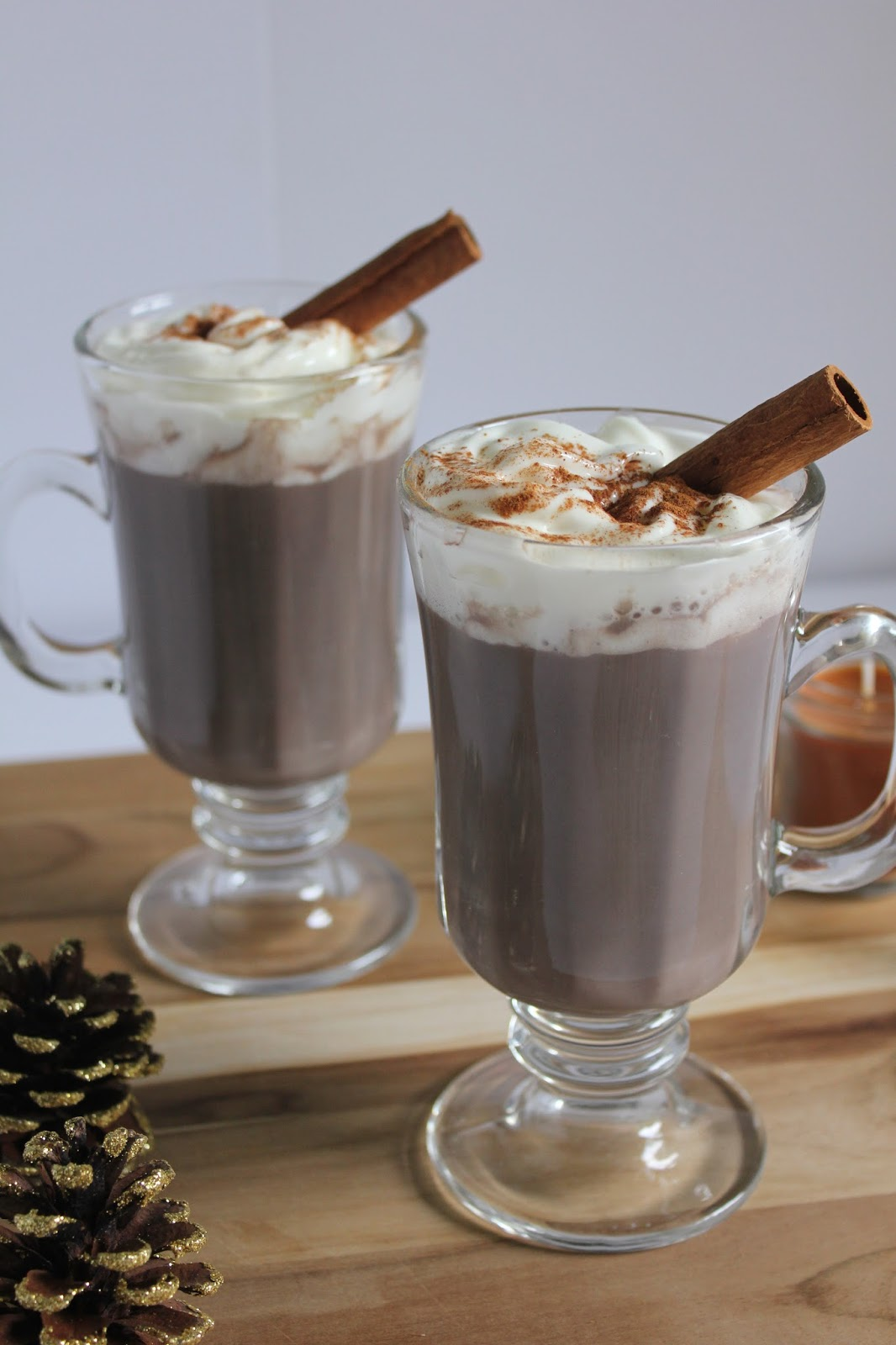 Neutral2Neon.com Holiday Cookbook - Thanksgiving Drink Recipes: Skinny Pumpkin Spice White Hot Chocolate