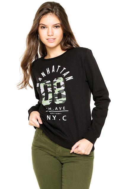 Loja Kanui Moletom Fechado FiveBlu Manhattan Preto, possui modelagem reta, decote redondo, estampa frontal e mangas curtas