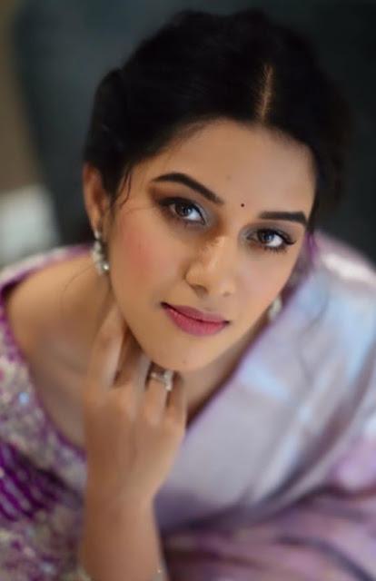 Indian Actress Mirnalini Ravi Photos