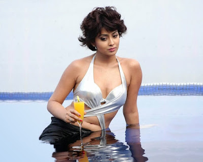 Shriya Saran swimming pool photoshoot