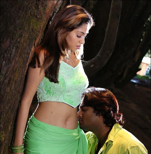 Malayalam actress hot navel show
