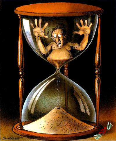 أنستهلك الزمن أم هو الذي يستهلكنا ونحن وقوف؟