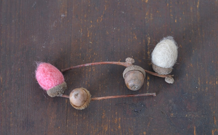 DIY Felt Acorns top tip: Choose cupules with some real acorns to make you DIY more interesting