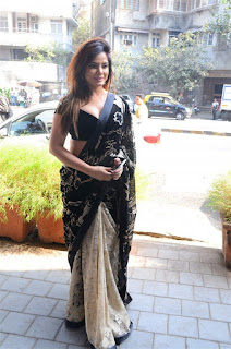 Neetu Chandra in Black Saree at Designer Sandhya Singh Store Launch Mumbai (65).jpg