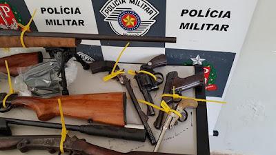 Polícia prende 20 armas e duas granadas em Olímpia