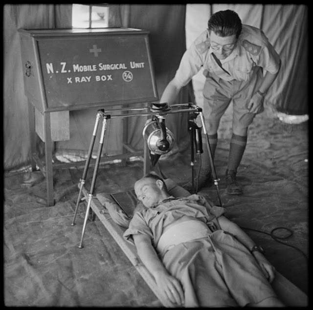 New Zealand X-ray machine being demonstrated in Egypt, 21 August 1941 worldwartwo.filminspector.com