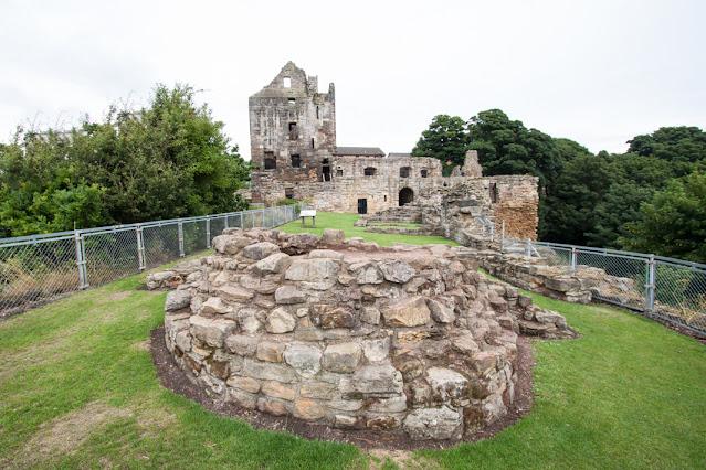 Ravenscraig castle-Kirkcaldy