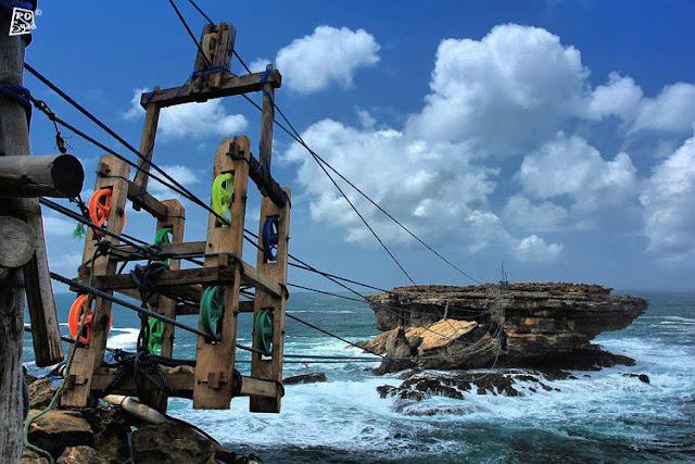 Gondola Tradisional di Pantai Timang