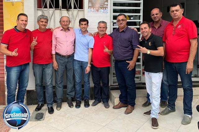 Ampliando suas bases eleitorais, Claudiano Martins Filho abraça a pré candidatura  de Junior Vaz  para prefeito na Pedra