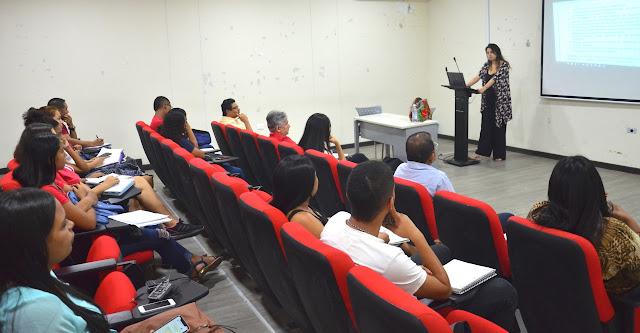 En Uniguajira, docentes y estudiantes se capacitan en el tema de migración