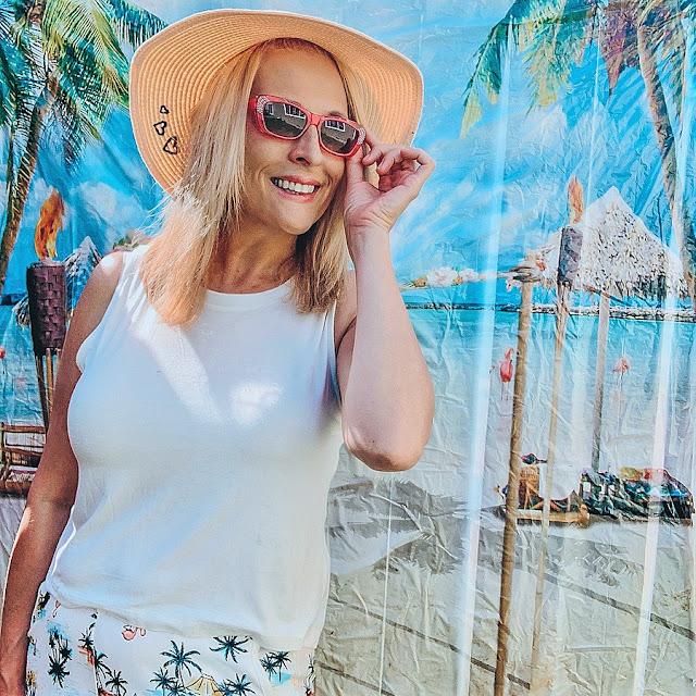 Staycation, tropicalstaycation, dollartreefinds, dollaretreedecor, seattleblogger