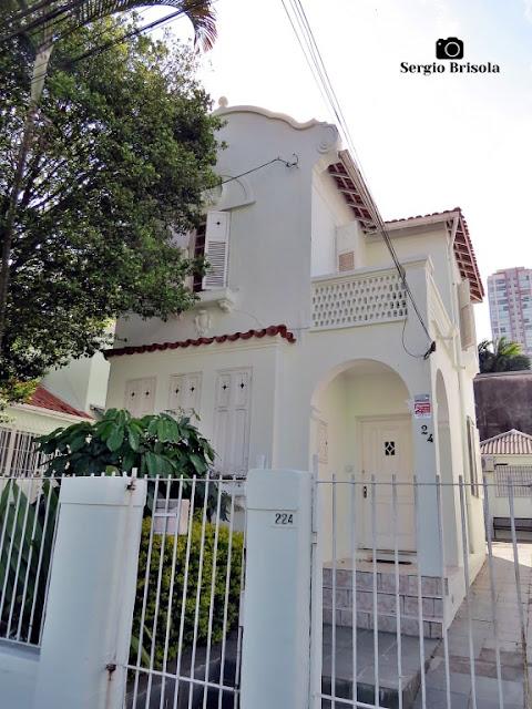 Vista de uma Casa antiga na Rua Sud Mennucci 224 - Vila Mariana - São Paulo