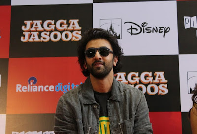 everybody-should-make-money-not-just-producers-ranbir-kapoor