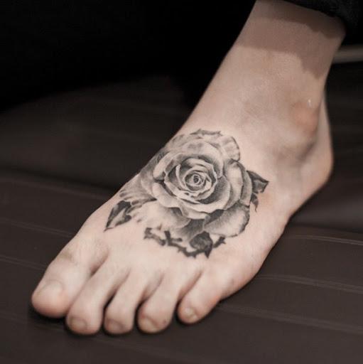 Este fantástico pé da tatuagem