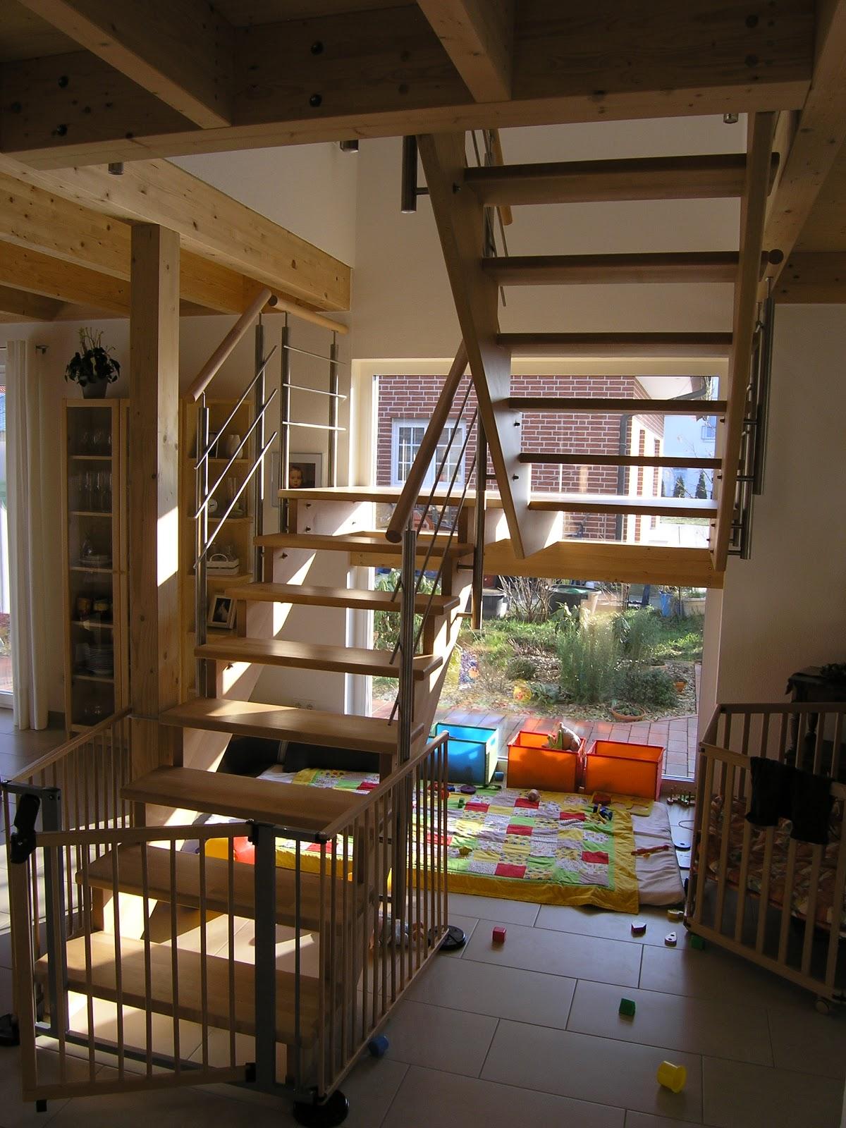 offene treppe sichern hund wohn design. Black Bedroom Furniture Sets. Home Design Ideas