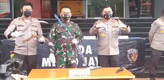 Begini Kronologis Pengikut HRS Serang Anggota Polisi Berujung Tewas, Bawa Samurai dan Senpi