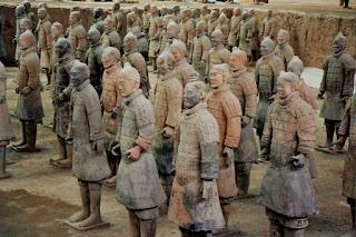 https://es.wikipedia.org/wiki/Archivo:Xian_guerreros_terracota_detalle.JPG