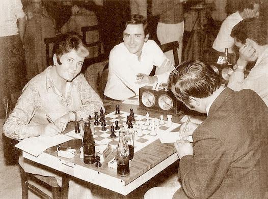 Pepita Ferrer en el Campeonato de  España de ajedrez por equipos de 1971