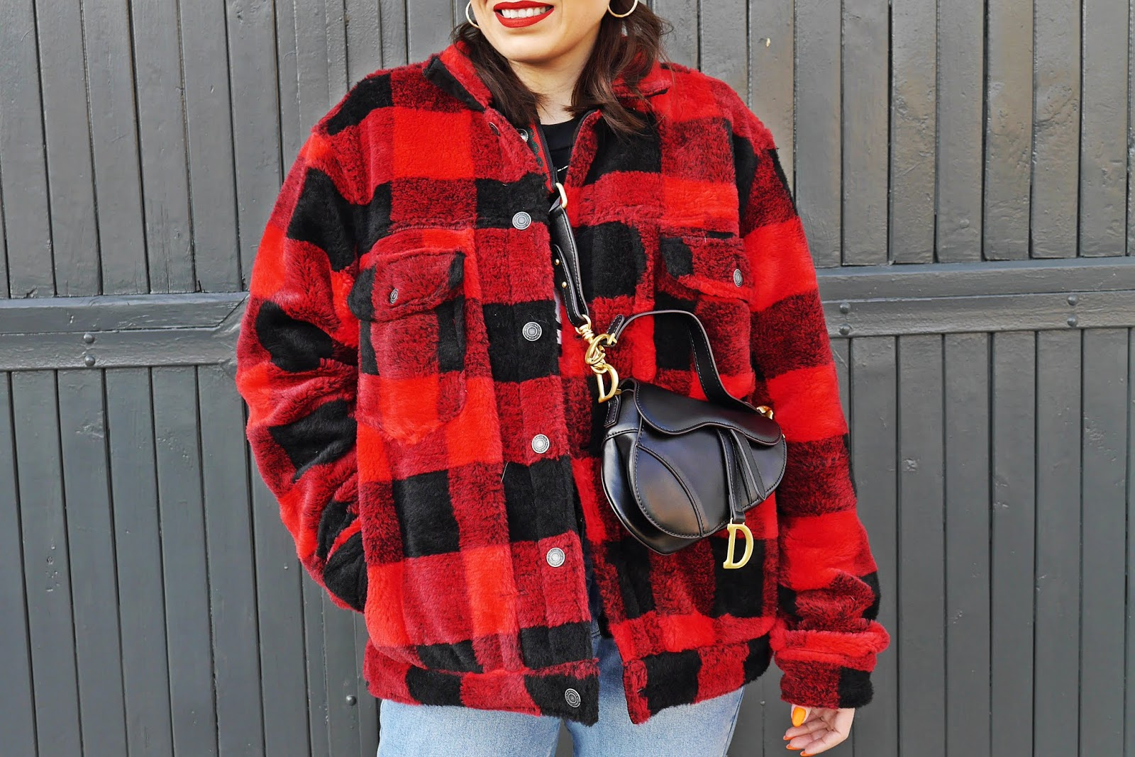 plaid red jacket fashion blogger karyn denim pants femme luxe red sunglasses gray beanie winter look outfit adidas superstar gold pulawy