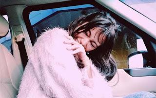 Ratu Felisha di Mobil