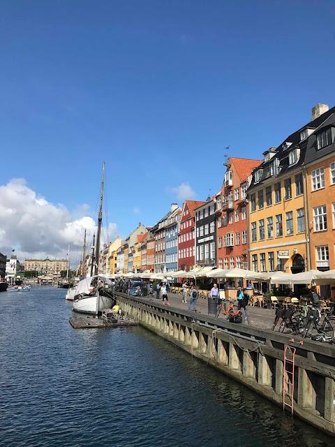 Nyhavnin värikkäät talot ovat Kööpenhaminan kuvatuimpia kohteita