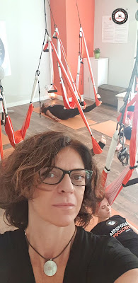 yoga, aeroyoga, air yoga, aerial yoga, yoga aereo, yoga aerea, fly, flying, gravity, suspension, yoga swing, cursos, clases, madrid, formacion, certificacion, instructor, profesor