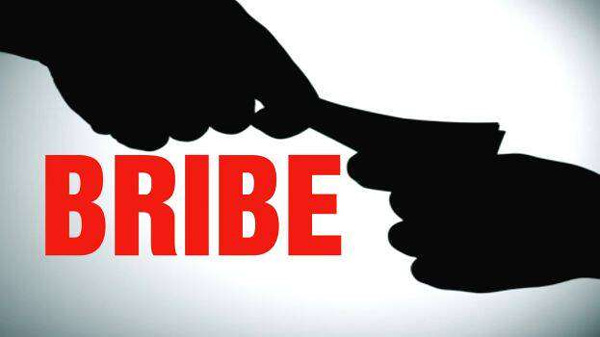 News, Kerala, palakkad, Police, Bribe Scam, Arrested, Police Officer Arrested in Bribery Case
