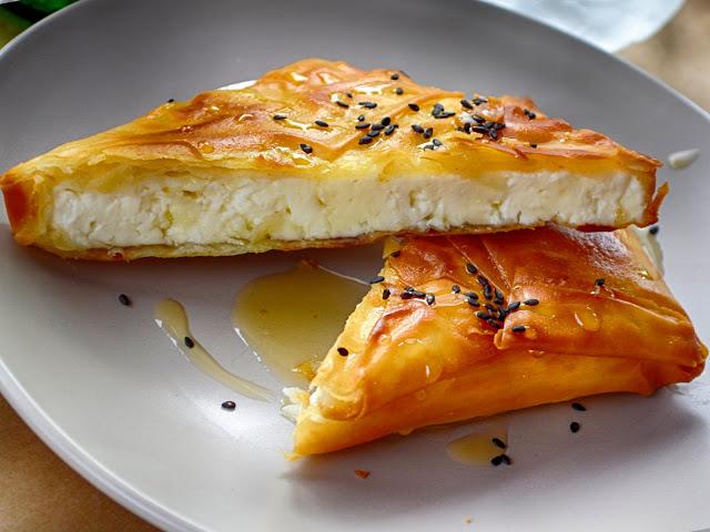 وصفة حلوي ميني سمبوسك اللذيذة بالجبنة المميزة