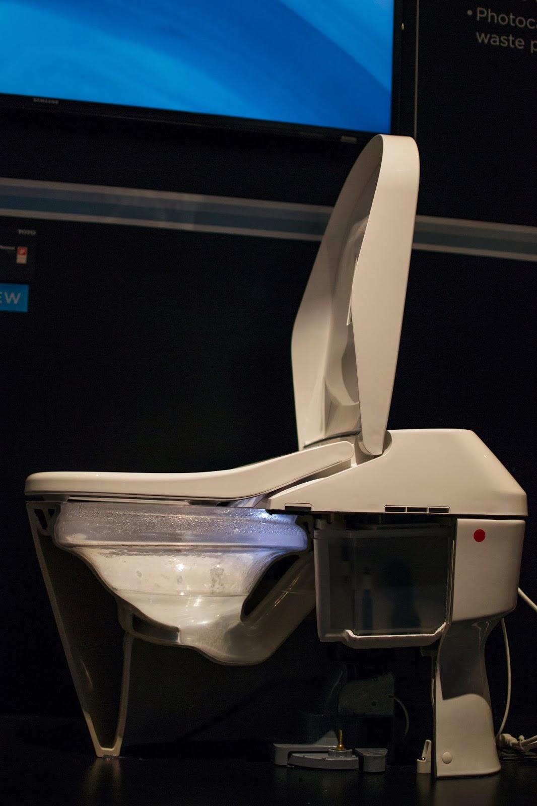 Lisa Mende Design: ToTo USA = Royal Flush!