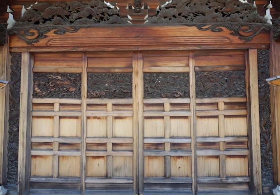 本坊玄関の宮彫り (クリック画面でさらに拡大表示で見てみて!)