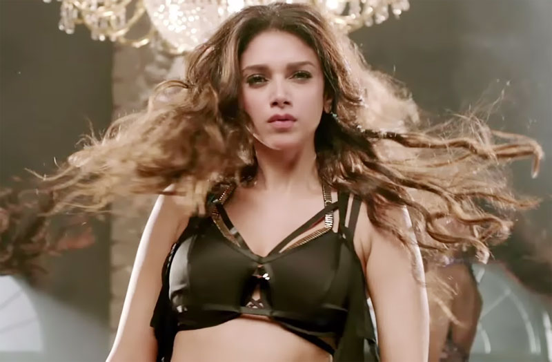 still Aditi Rao Hydari from Luv Letter Song