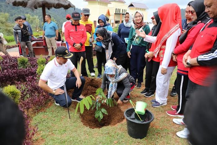 Kunjungi Kebun Raya Liwa, Nunik Ajak Masyarakat Lampung Nikmati Indahnya Bunga Magnolia