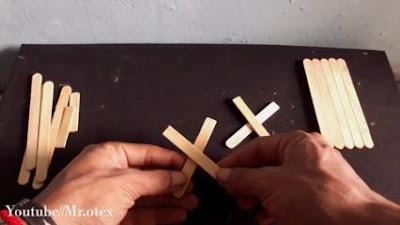 Cara Membuat Miniatur Meja dari Stik Es Krim
