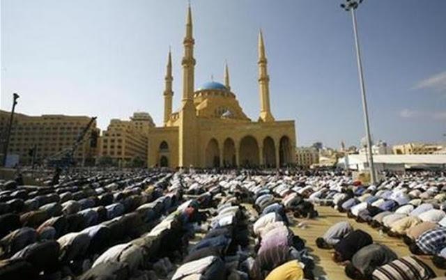 Friday prayers at mosques Lebanon