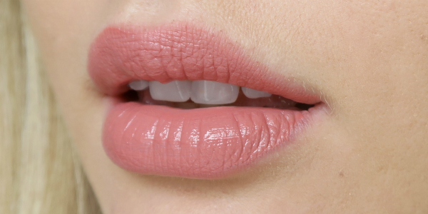 Lips wearing Maybelline Vivid Matte Liquid Lip Colour in Nude Flush