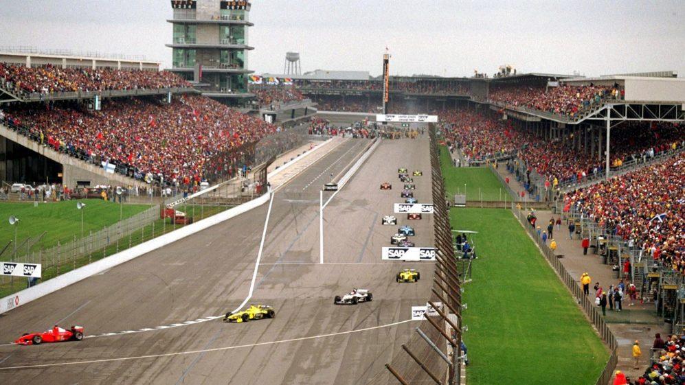 Centenas de milhares de fãs foram a Indianápolis para o Grande Prêmio dos Estados Unidos de 2000
