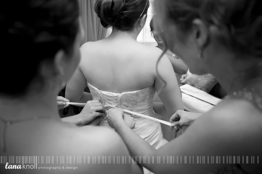 Kingston bride getting ready