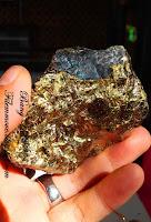 Bahan badar emas papua udin batu